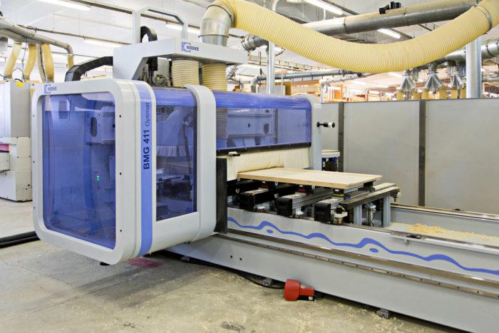 Menuiserie George Entreprise Machine Usinage 5 axes dans l'atelier de production